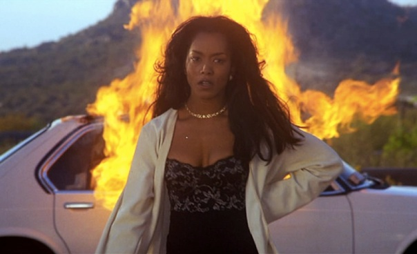 Angela_Bassett_in_Waiting_to_Exhale